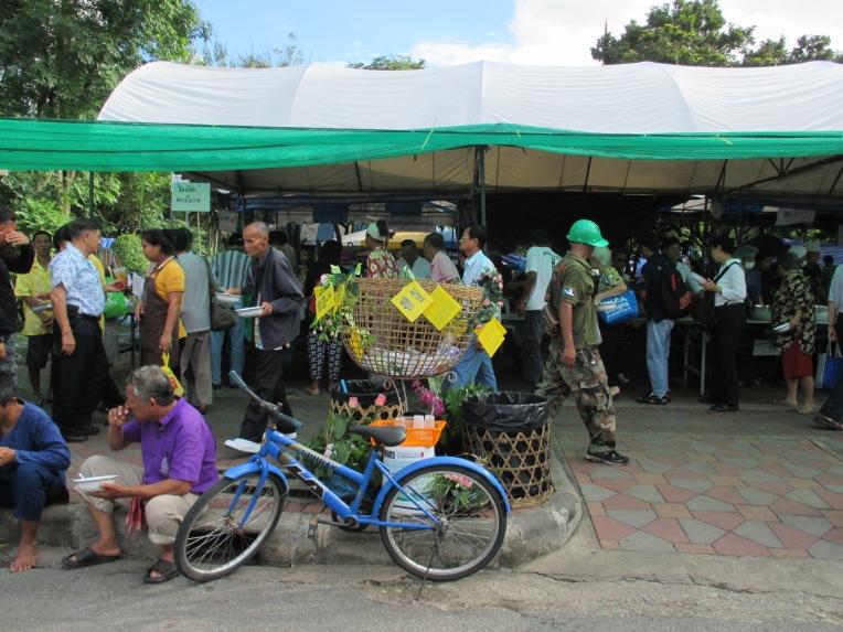 Lumpini Park's food stalls.
